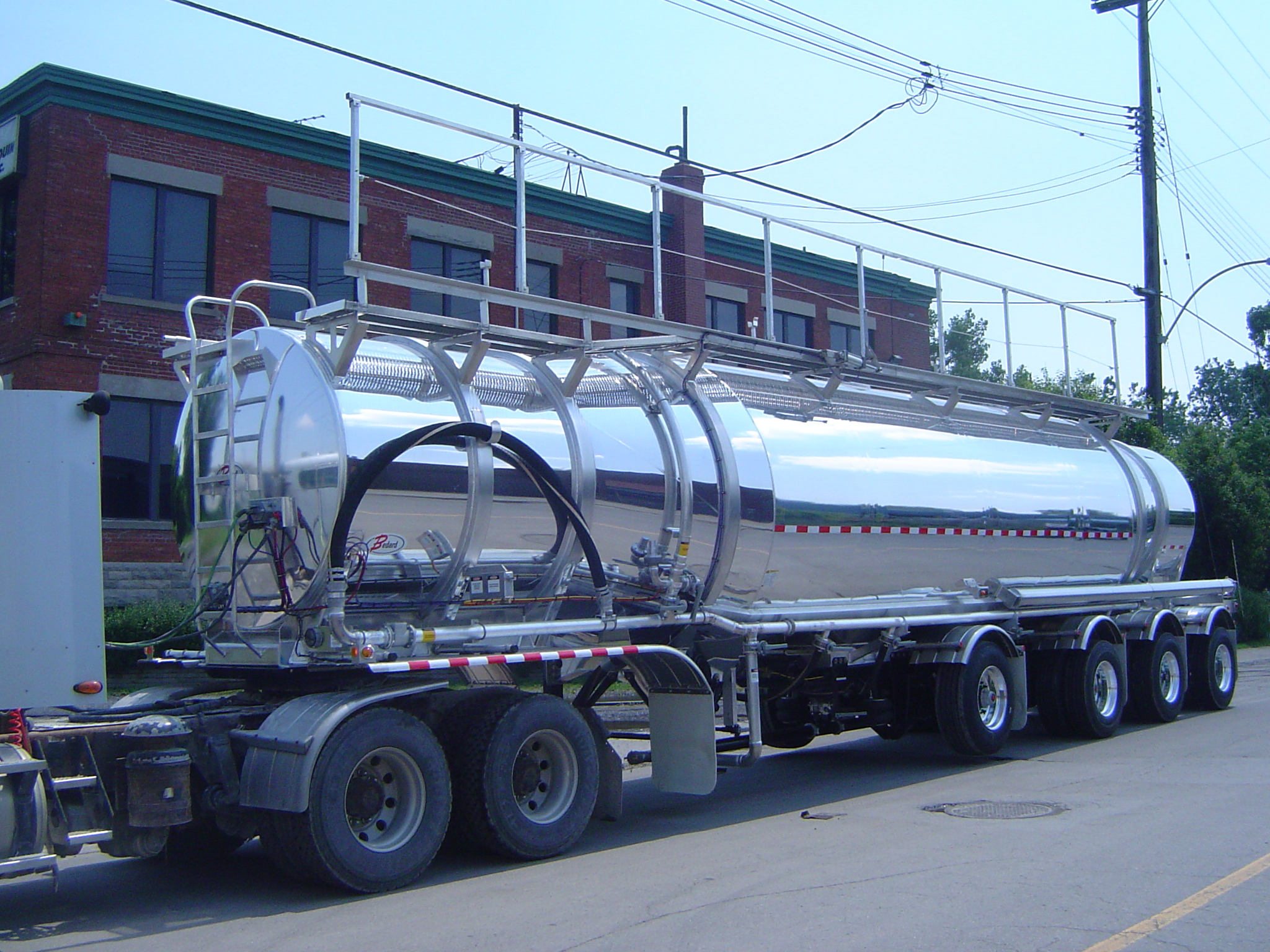 Dry-Bulk – 1620 cu.ft. – Bullet – 4-axles (02)