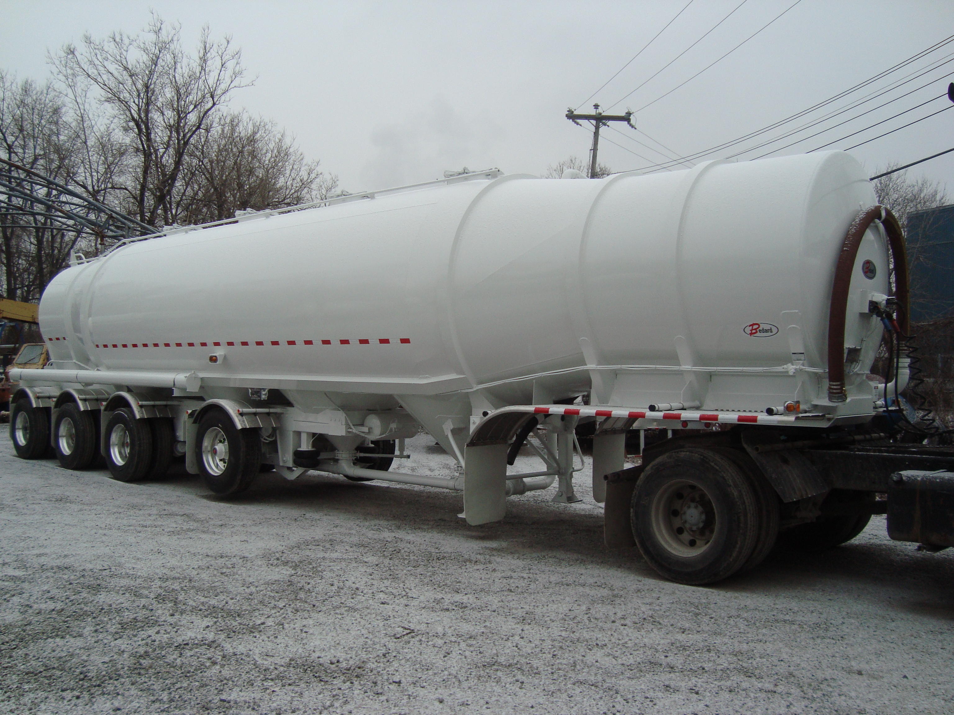 Dry-Bulk – 1620 cu.ft. – Bullet – Aluminum – 4-axles (1)